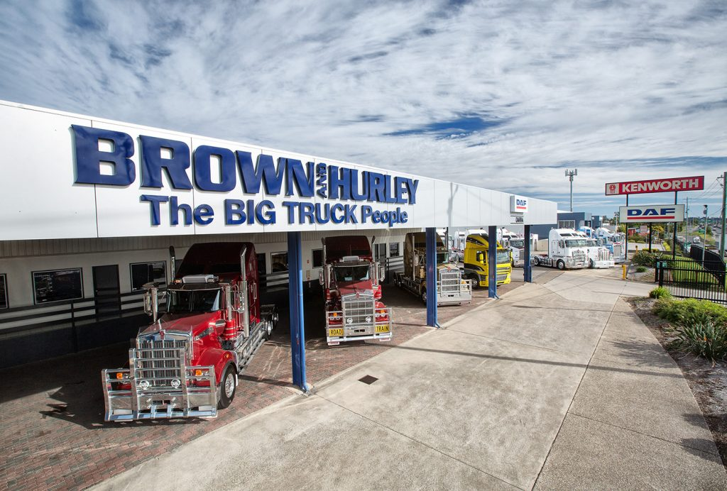 PACCAR DEALER OF THE MONTH – BROWN AND HURLEY KENWORTH DAF DARRA – NOVEMBER  2017 fbfe3e13b37